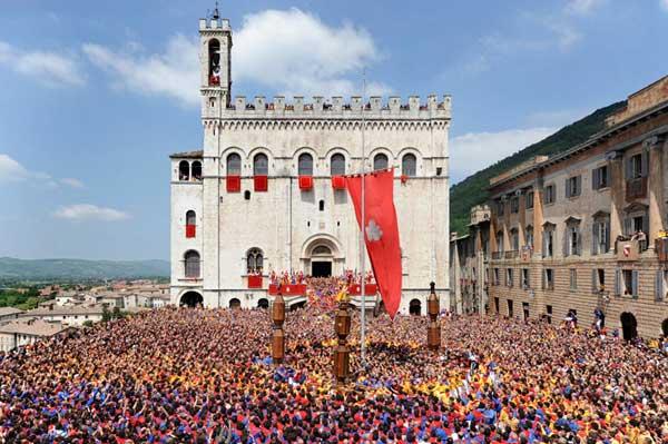 Piazza-Grande-Gubbio