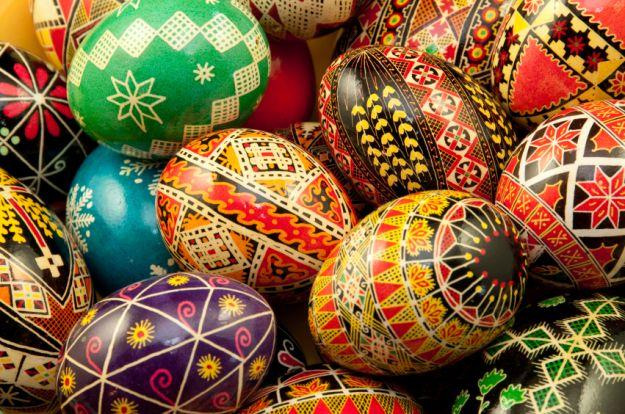 Buona pasqua easter traditions in italy ville in blog - Uova di pasqua decorazioni ...