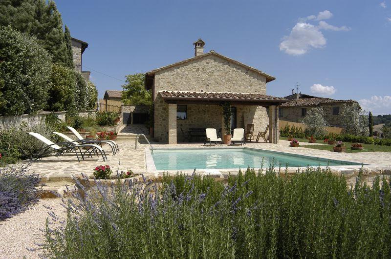 Villa Rentals in Poggibonsi : Florence & Tuscany - Italy: Fienili