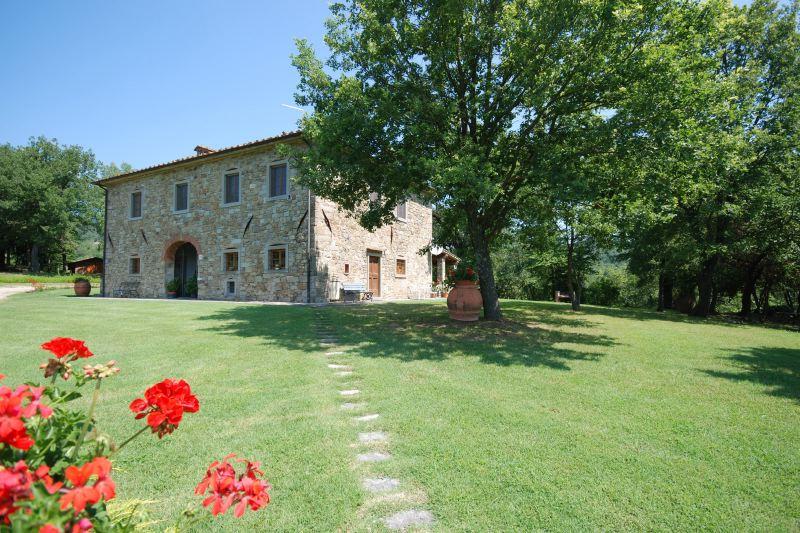 Villa Rentals in Castel Focognano: Florence & Tuscany - Italy: Villa Ginepro