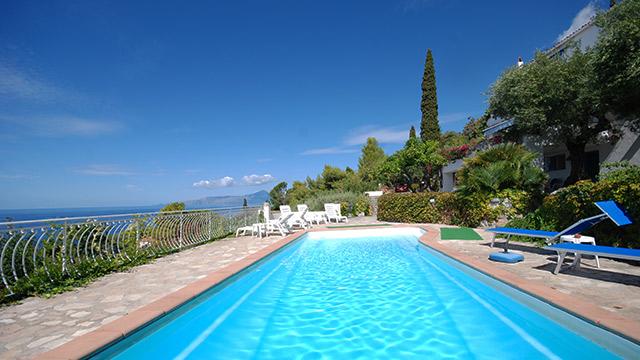 Mediterranean Villas By The Sea On Beach In Apulia And Basilicata Ville Italia
