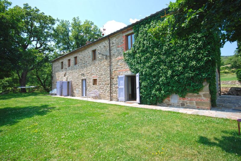 Villa Rentals in Castel Focognano: Florence & Tuscany - Italy: Villa Ornina