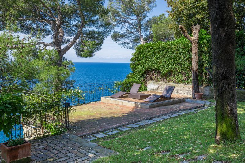 Villa Rentals in Pieve Ligure: Liguria - Italy: Villa la Scogliera